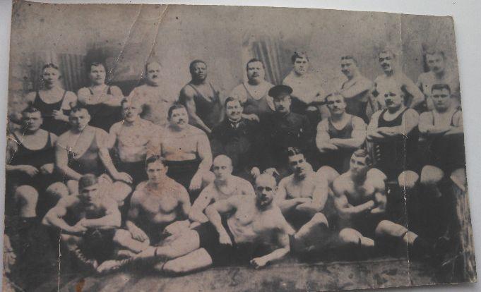 Групповое фото - Белоусов во втором ряду третий слева