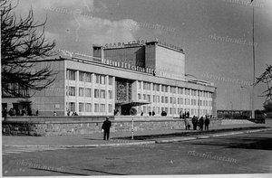 Дворец культуры им.Петровского в Кременчуге