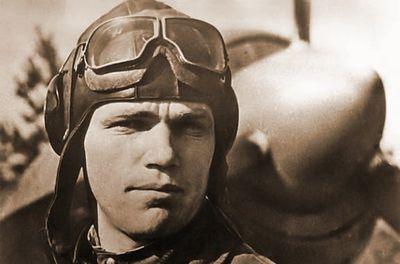 На фото И.Н. Кожедуб в период боев на Кременчугском плацдарме в окт. 1943 г