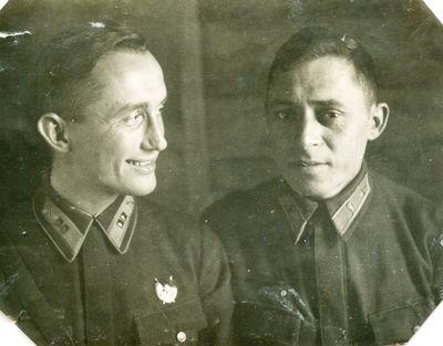 Гугнин слева 1942 год