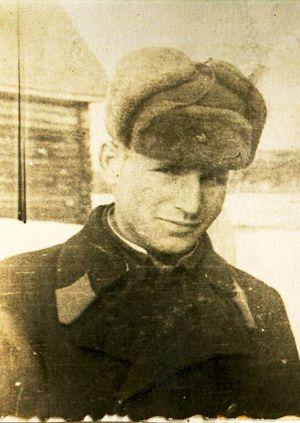 Цыплухин Н.Д. в период службы мотористом в одном из полков ПВО. Фото периода 1938-1939 г.