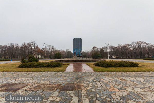 Постамент от памятника Ленину