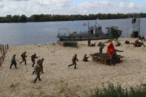 29 сентября на набережной Днепра состоялась реконструкция битвы за Кременчуг