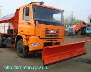 Техника КП «КАТП - 1628» чистила дороги Кременчуга от снега