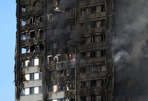 Пожар в Лондоне - горит высотный жилой дом