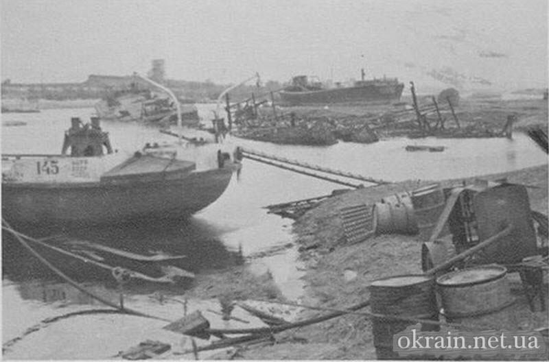 Корабли затопленные в Кременчугской гавани - фото 732