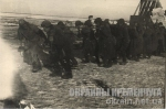 Военнопленные на строительстве деревянного моста через Днепр - фото №1691