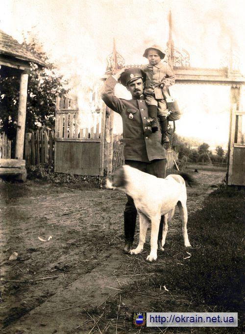 Владимир Константинович с сыном Борисом - фото 464