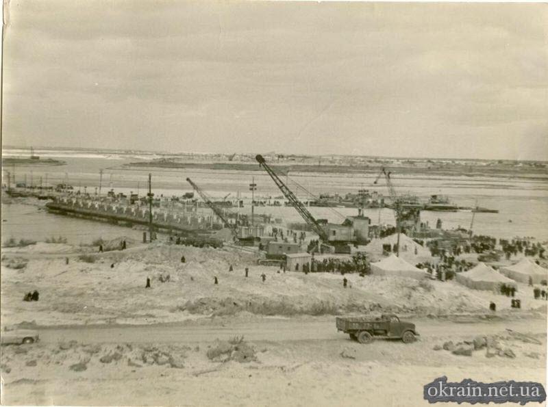 На строительстве Кременчугской ГЭС - фото 655