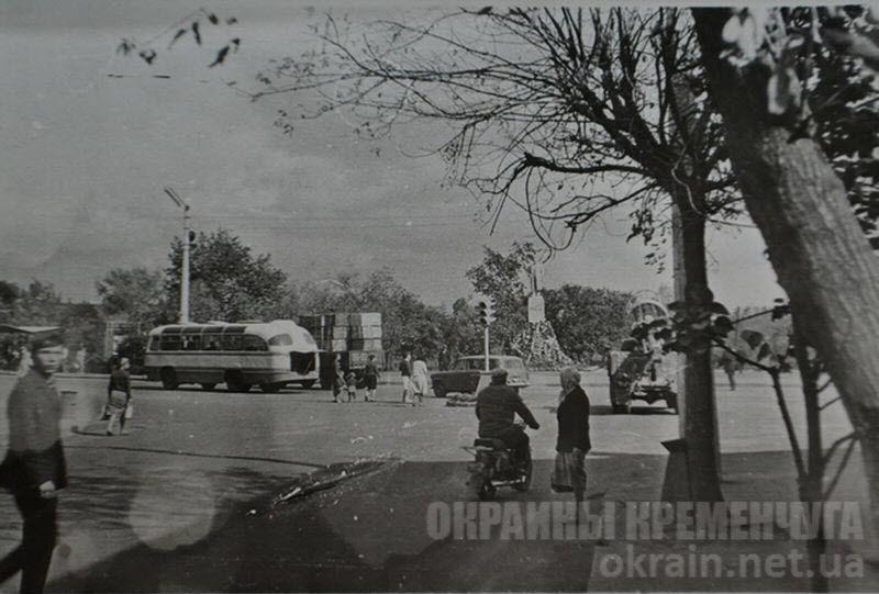 Перекресток улиц Ленина и Халаменюка в Кременчуге — фото №1703