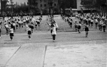 Выступление школьниц на площади Победы - фото 1652
