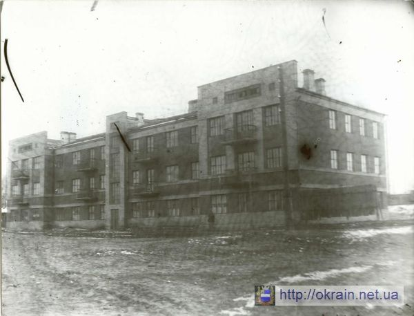 Внешний вид нового дома для железнодорожников. 1939 год. - фото 316
