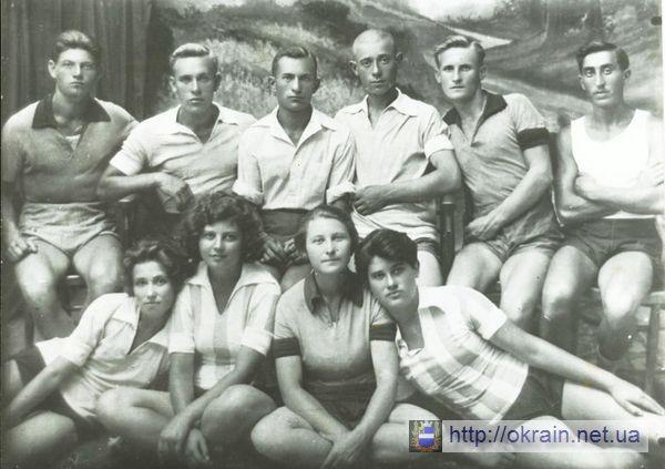 Кружок физкультуры Кременчугской электростанции 1925-1926 гг. - фото 347