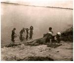 Банный день на Днепре. Кременчуг начало 30-х годов - фото 451