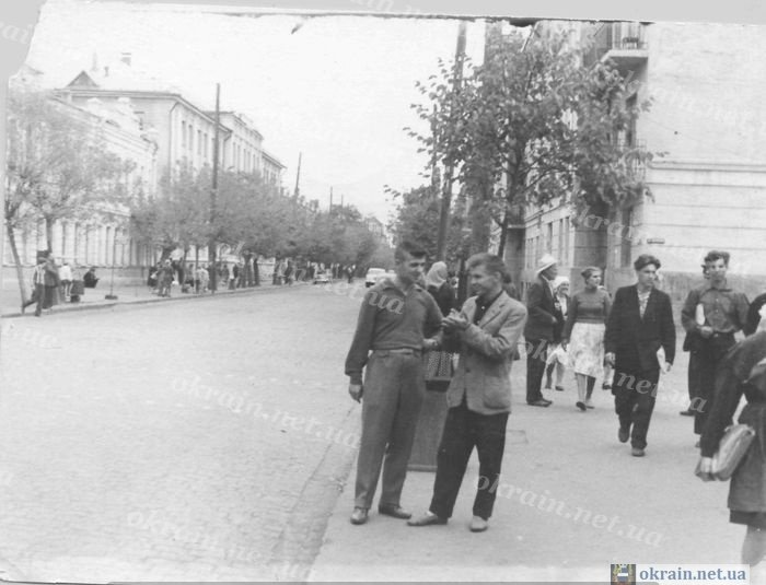 Угол улиц Шевченко и Ленина. Нынешний вид на «Мегу» и Центральный Главпочтамт - фото 132