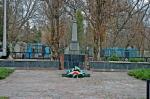 Братская могила советских воинов. - фото 191