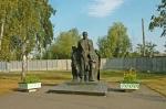 Памятник «Макаренко и дети»  - фото 237