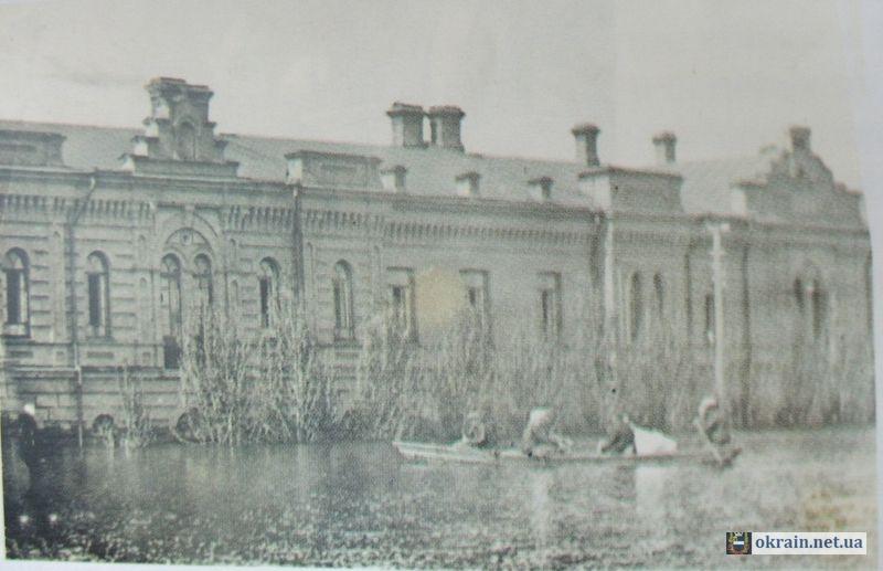 Казармы артполка в Кременчуге 1917г. - фото 633