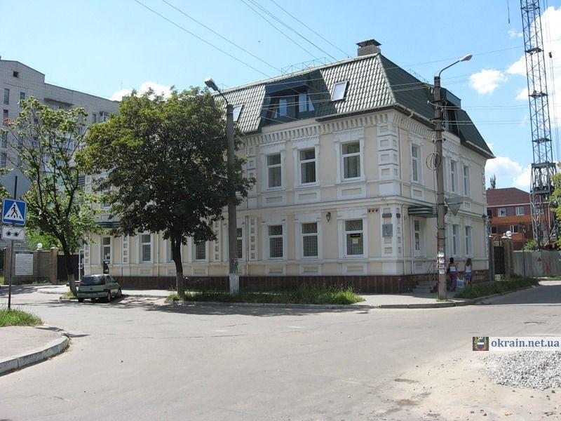 Старое здание на ул. Бутырина -  фото 779