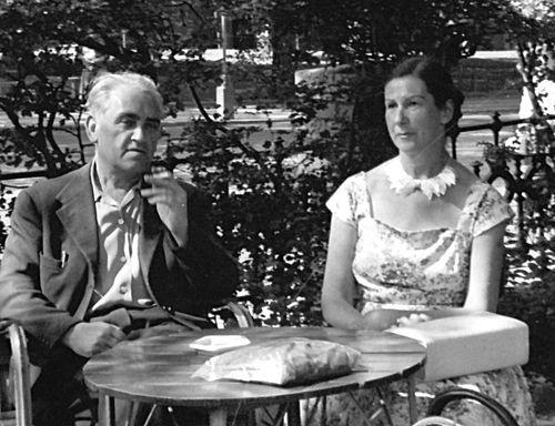 Л.Воловик с женой Лией Гржебиной. Швеция Июль 1957г