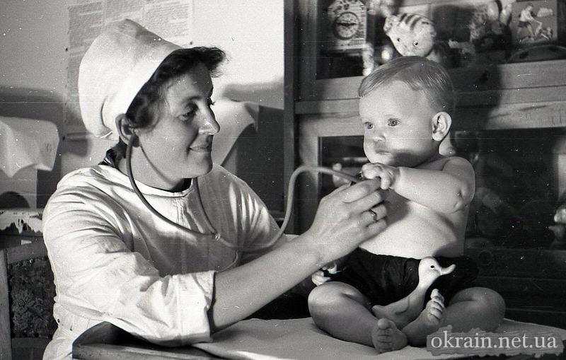 Врач в детском садике 1962 год Кременчуг - фото № 125