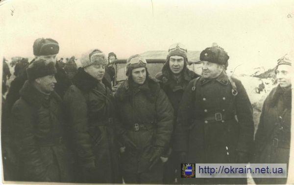 Группа лётчиков 282 истребительного полка авиадивизии - фото № 292
