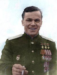 Трижды Герой сов. союза Кожедуб И.Н. и Кременчуг