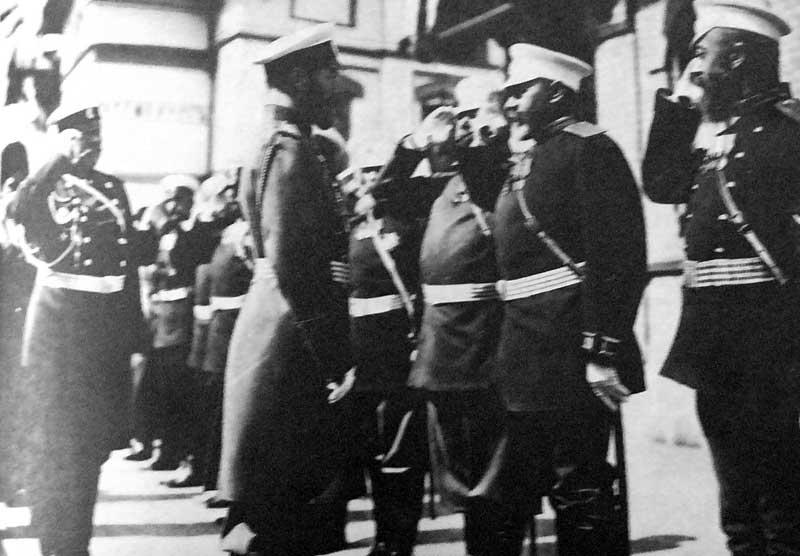 Николай II перед отправкой войск на русско-японскую войну - фото № 82