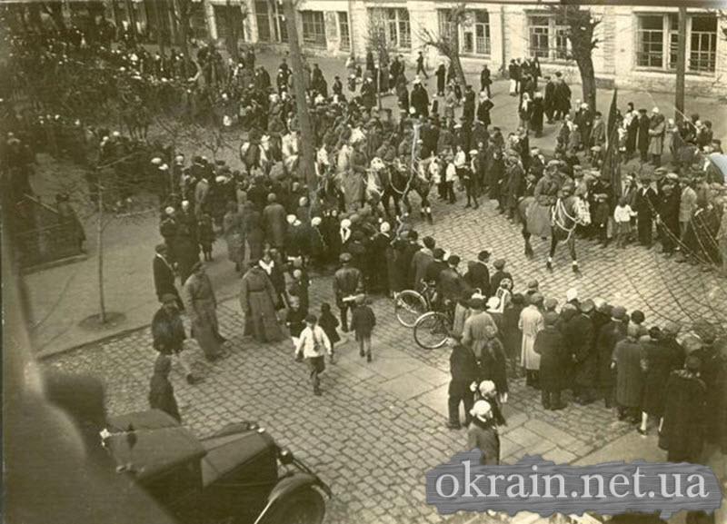 Парад в Кременчуге 1931 год - фото № 293