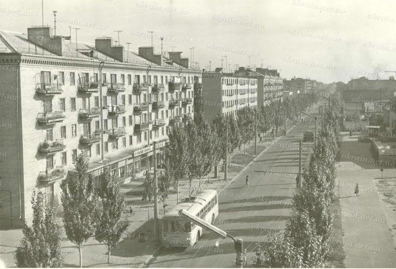 Улица Первомайская в Кременчуге 1969 год - фото № 307