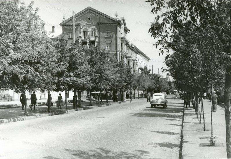 Проспект Ленина в Кременчуге 1958 год - фото № 365