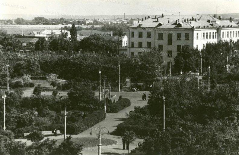 Приднепровский парк в Кременчуге 1966 год - фото № 273
