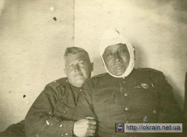 Раненый Соколов Ю.Н. - командир 233 Кременчугской стрелковой дивизии - фото № 337