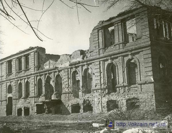 Руины Народной Аудитории в Кременчуге Фото Палуба - фото № 326