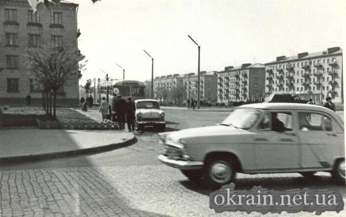 Угол улиц Ленина и Пушкина в Кременчуге 1966 год - фото № 353