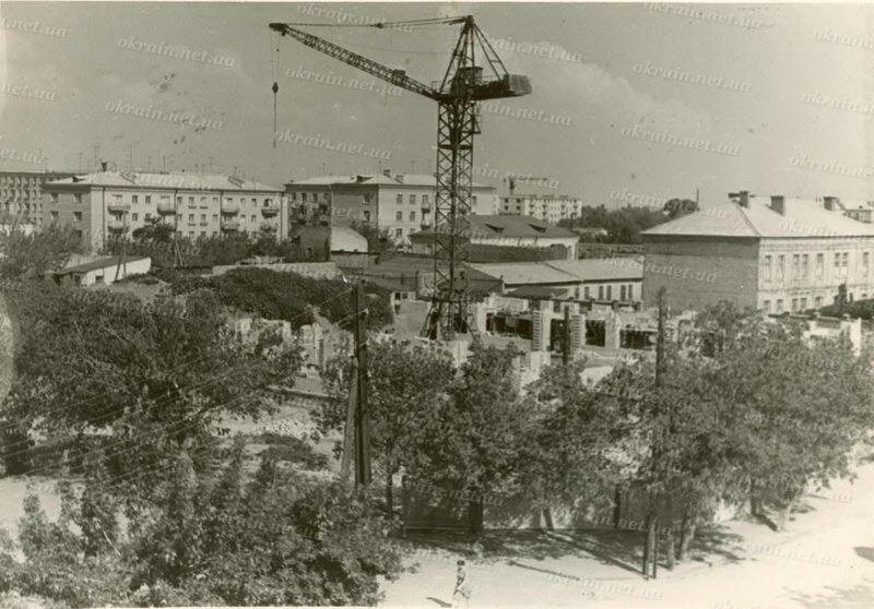 Застройка улиц Первомайской и Пушкина после войны в Кременчуге - фото № 310