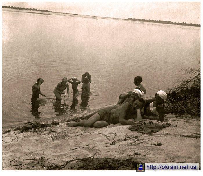 Банный день на Днепре Кременчуг начало 30-х годов - фото № 451