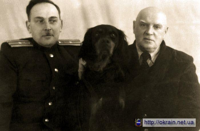 Кременчуг - Встреча отца и сына после Войны - фото № 562