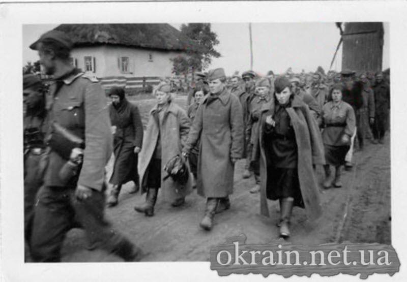 Пленные русские женщины в Кременчуге - фото № 574