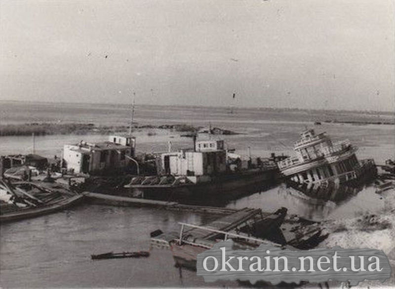 Уничтоженные корабли в Кременчугской гавани - фото 595