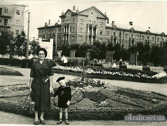 Сквер Октябрьский в Кременчуге - фото 681