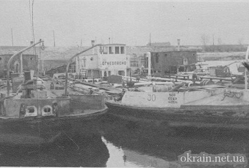 Суда в гавани Днепра Кременчуг - фото 733