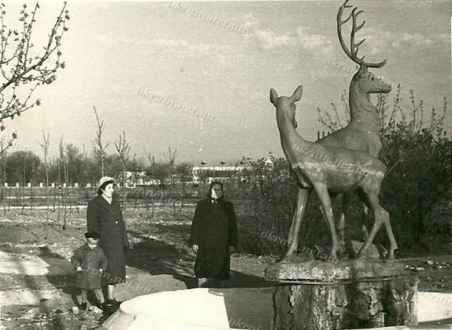 Скульптура «Олени» в Приднепровском парке - фото 1541