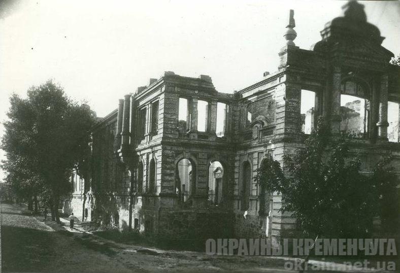 Разрушенная Пушкинская народная аудитория - фото № 1825