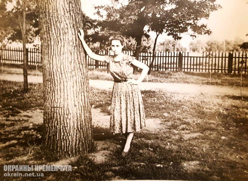 В Пролетарском сквере, Кременчуг 1950-е - фото № 1904