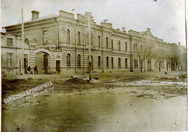 Казармы на Учебной площади Кременчуг 1916 год - фото № 1909