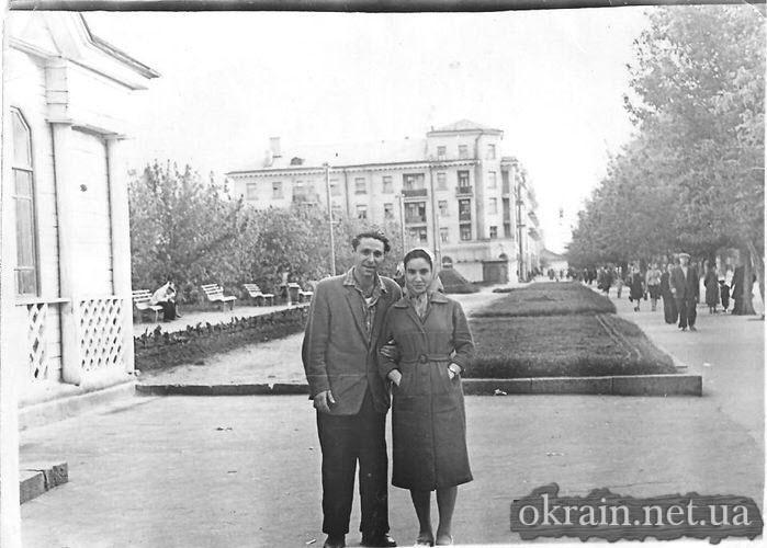 Евгений Крывусев на улице Ленина (ныне Соборная) Кременчуг - фото № 443