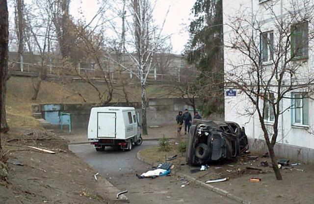 В Кременчуге автомобиль врезался в жилой дом