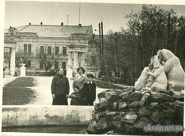 Кременчуг - фонтан в парке Мюда - фото 679