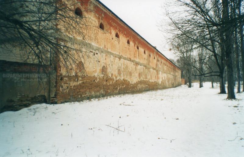 Южная стена интендантских складов Крюков 2002 год - фото № 1985